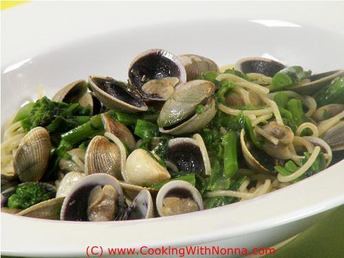 Spaghetti with Broccoli Rabe and Vongole... an absolute winner!