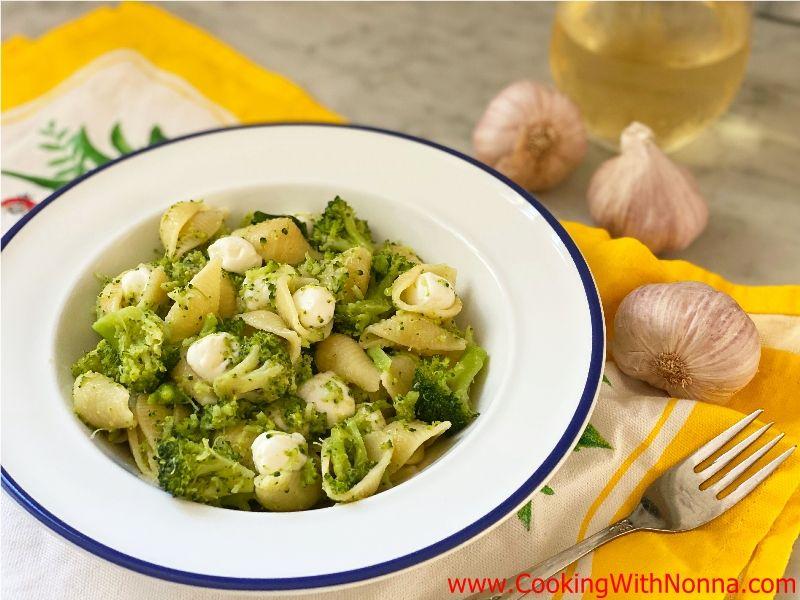 Broccoli & Shells with Mozzarella Pearls