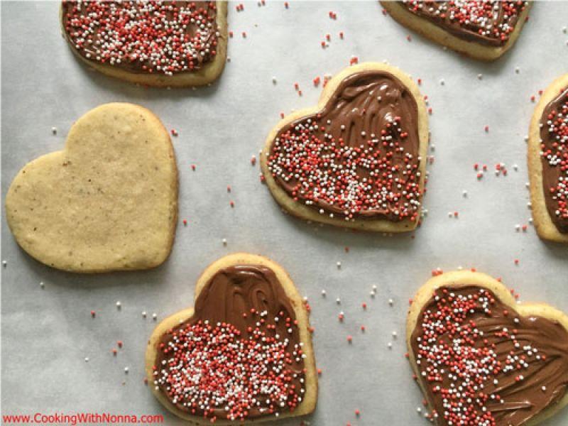 Hazelnut Pasta Frolla Hearts with Nutella