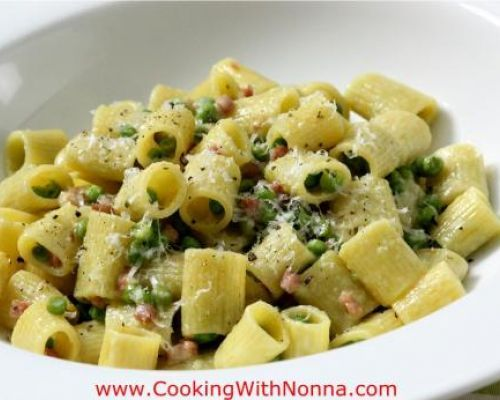 Mezzi Rigatoni with Peas, Prosciutto and Cream