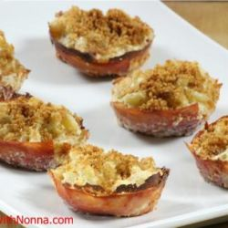 Baked Macaroni & Cheese in Prosciutto Cups