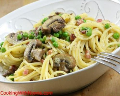 Spaghetti with Peas Prosciutto and Mushrooms