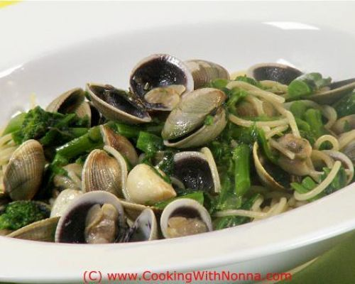 Spaghetti with Broccoli Rabe and Vongole