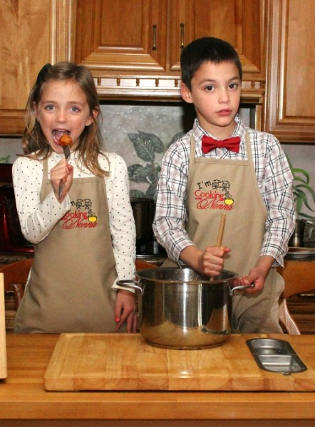 Child Apron - Ages: 8 - 12